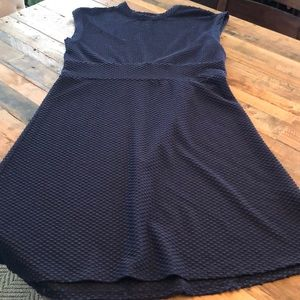 Navy dress. Great condition! Very flattering fit!